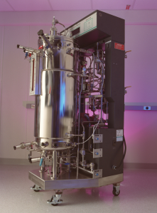 A bioreactor like those used to cultivate Synthetically Modified Organisms, usually algae or bacteria. Photo: PNNL